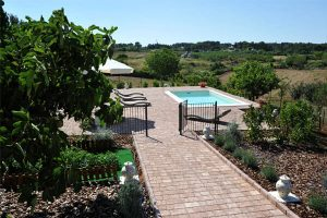 Trullo_suite_piscina_view